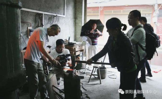 央视《地理中国》栏目摄制组深入崇阳各乡镇取景